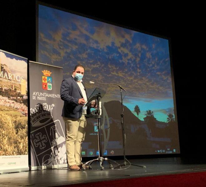 Victor-Manuel-Torres-alcalde-Martos-explica-a-los-asistentes-al-foro-las-ventajas-competitivas-de-su-ciudad-1024x768